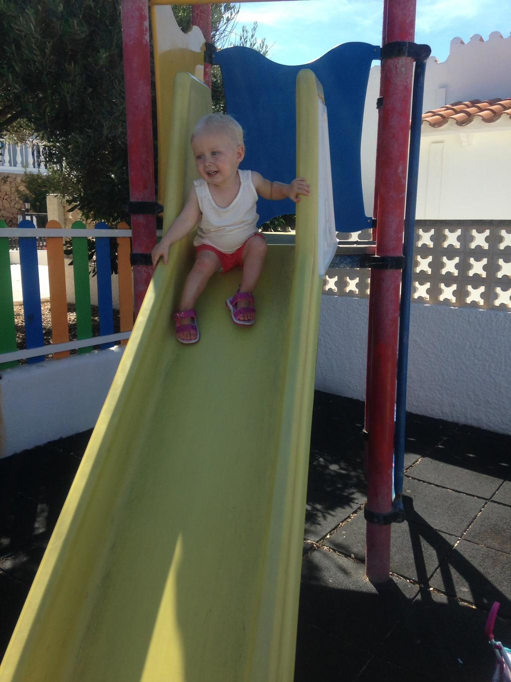 Zara in slide