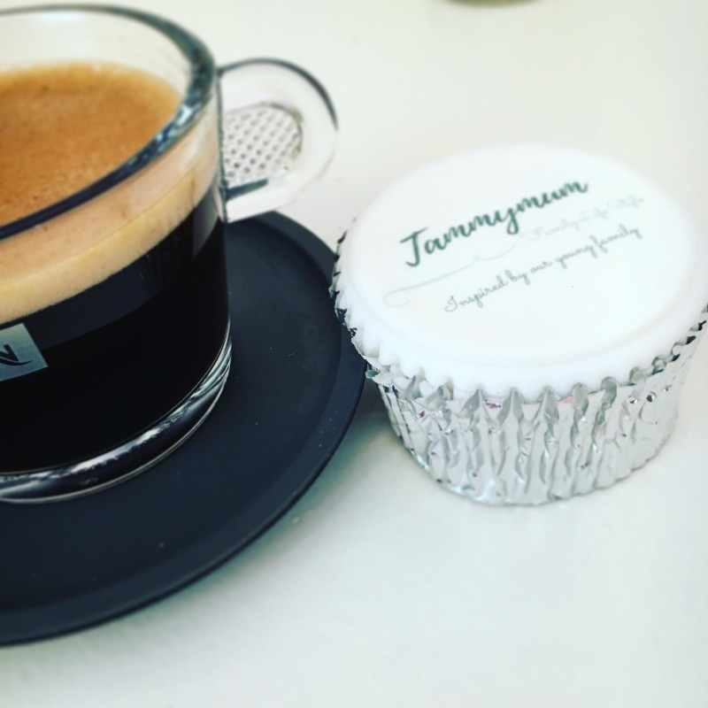 tammymum cake topper