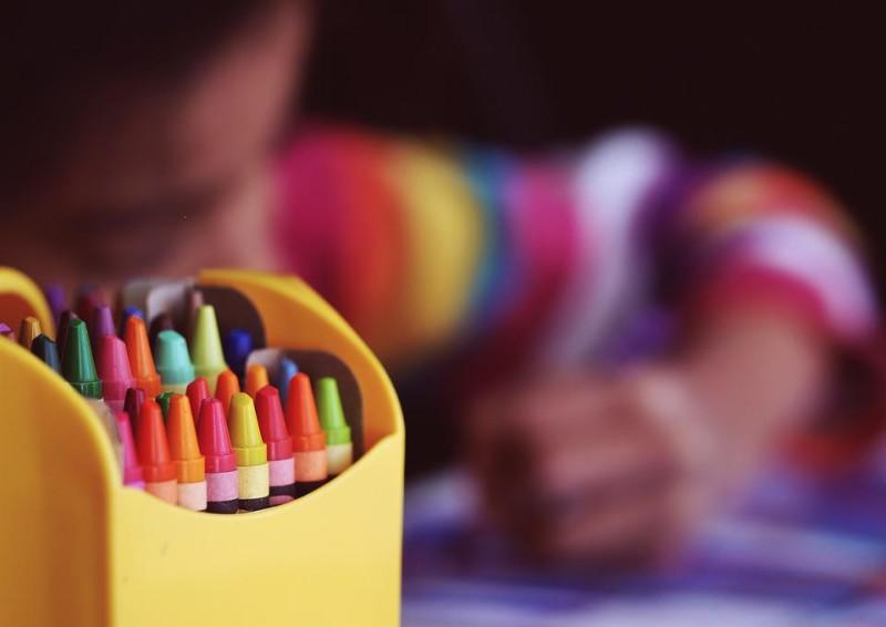 girl colouring