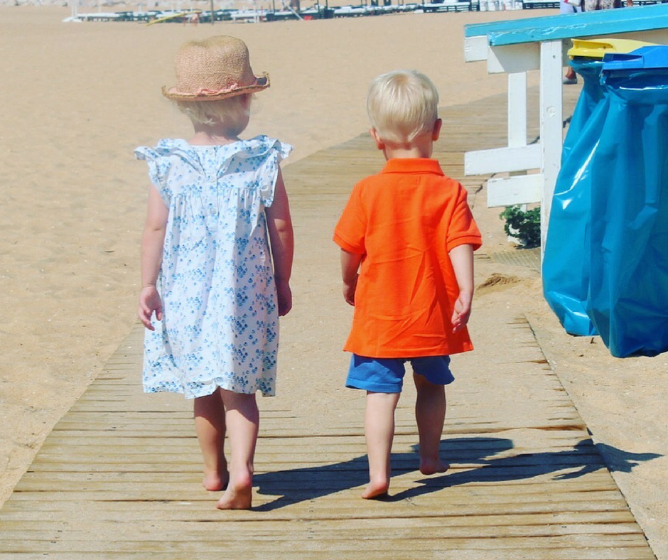 6 clever tips to keep the kids safe on holiday